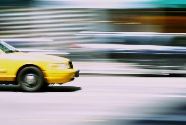 taxi-842341_1920
